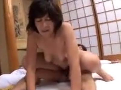 【五十路熟女動画】素人の垂れ乳おばさんがAV初撮り…七年ぶりのセックスに絶頂!