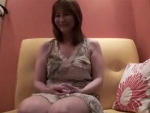 【個人撮影熟女動画】豊満な素人奥様の赤裸々な不倫現場…密室で繰り拡げられるリアルな性の実態!
