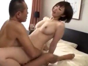 【巨乳若妻動画】美人嫁が変態義父の絶倫チンポで犯される…家庭内で寝取られ中出しSEX!