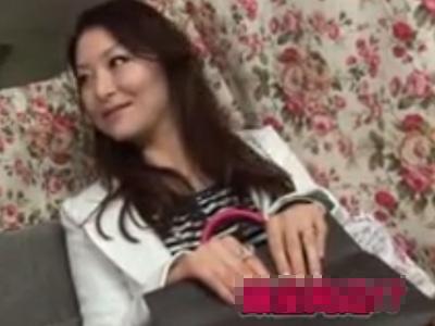 【ナンパ熟女動画】四十路マダムが謝礼の誘惑に負けてエロ本性を晒してセックス三昧!